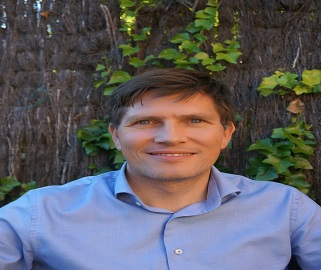 Tobias Stauber